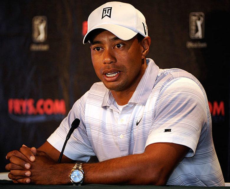 Tiger Woods s hodinkami Rolex Day Date 41 mm z bílého zlata