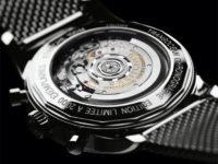 Breitling Transocean Chronograph s proskleným víčkem a náhledem na stroj 01